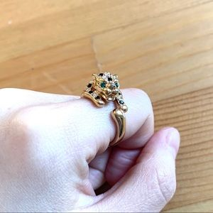 Green eye crystal panther Ring
